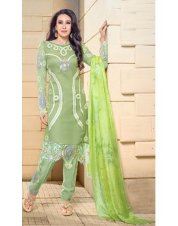 Karishma Kapoor In Light Green Georgette Salwar Suit  - 17059