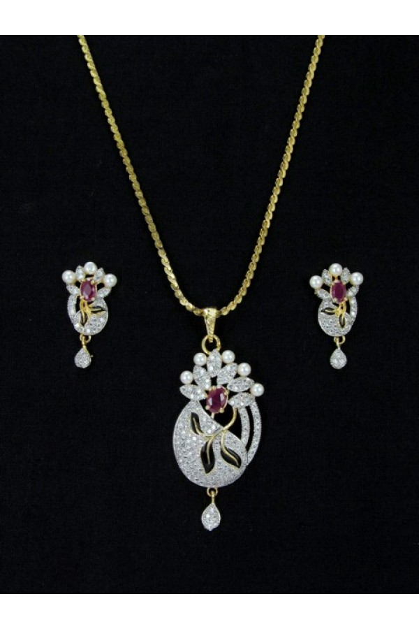 Designer Diamond Pendant With Earrings - 87589