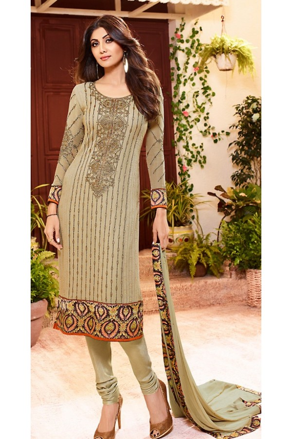 Shilpa Shetty In Brown Georgette Salwar Suit  - 76061