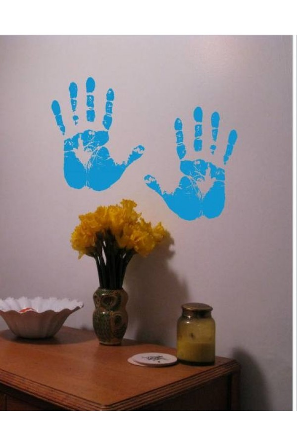 WALL STICKER OF COLOURFUL HAND