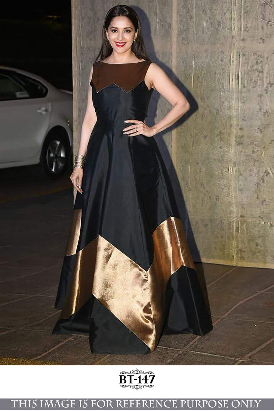 Bollywood Style Madhuri Dixit In Black Fancy Gown Bt 147