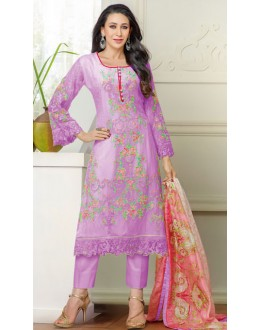 Karishma Kapoor In Light Purple Georgette Salwar Suit  - 18124