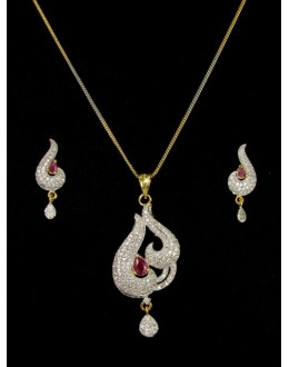 Designer Diamond Pendant With Earrings - 89598