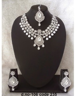 Ethnic Necklace Set With Mangtika & Earrings - 106