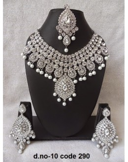 Ethnic Necklace Set With Mangtika & Earrings - 10