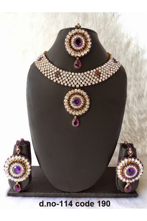 Ethnic Necklace Set With Mangtika & Earrings - 114