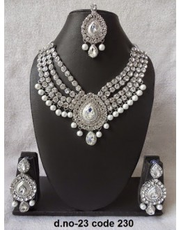 Ethnic Necklace Set With Mangtika & Earrings - 23