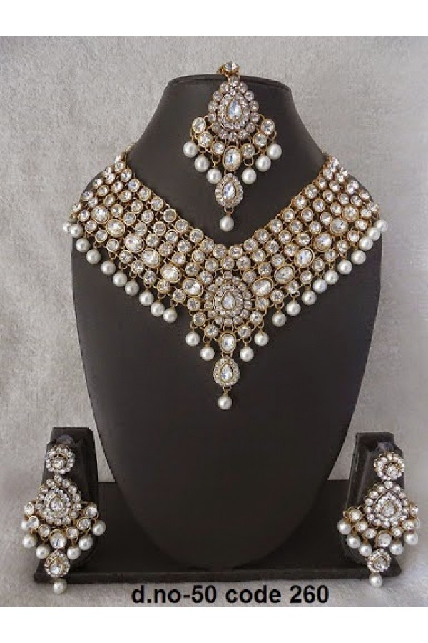 Ethnic Necklace Set With Mangtika & Earrings - 50